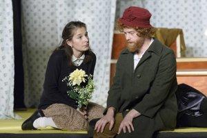 Nové divadlo na festivale uvedie hru Anna Franková. Na snímke Lucia Korená a Ivan Martinka.