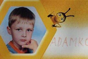 Adamko mal ísť v septembri prvýkrát do školy.