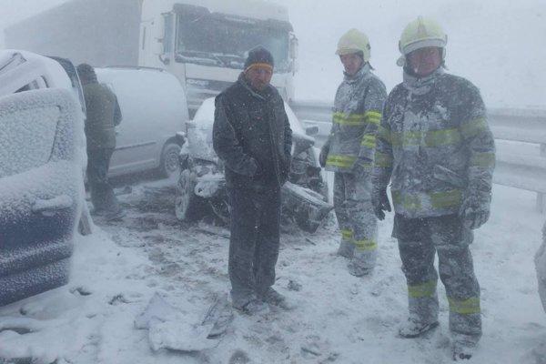 Po nehode na diaľnici.