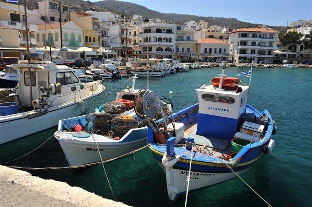 Pigadia, hlavné mesto ostrova.