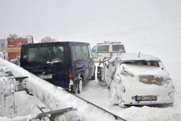 Včerajšia nehoda na diaľnici D1 pri Poprade.