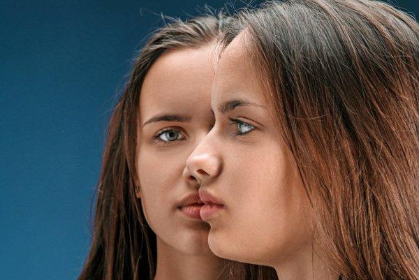 Identické tváre nemajú ani jednovaječné dvojčatá.