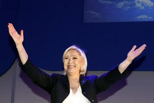 Prišli by ste o príjmy, varoval eurokomisár poľnohospodárov pred Le Penovou