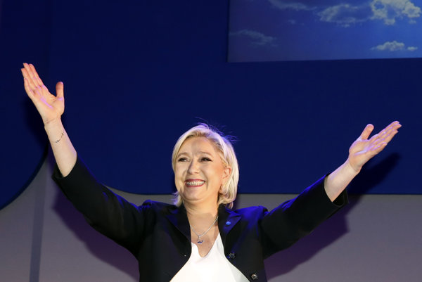 Le Penová ako jediná kandidovala na post šéfa strany.
