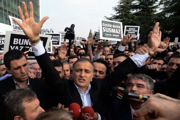Šéfredaktor tureckého denníka Zaman Ekrem Dumanli.