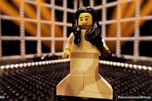 Conchita Wurst ako figúrka z lega.