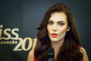 Miss Press Petra Varaliová počas tlačovej besedy súťaže Miss Slovensko 2017.