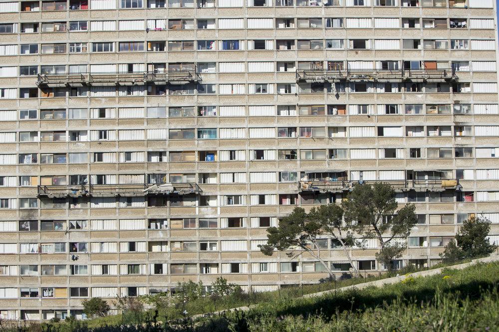 V Marseille sa sociálne bývanie stavalo vo forme panelákov s uzavretou štruktúrou.