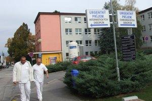 V nemocnici sú dva urgentné príjmy – pre internistické aj chirurgické disciplíny.