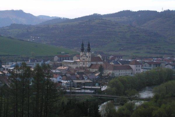 Podolínec. Mesto získalo bývalé kasárne do svojho majetku.
