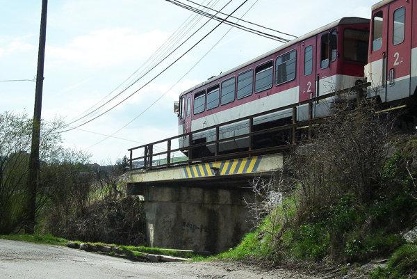 Železničný most prejde rekonštrukciou.