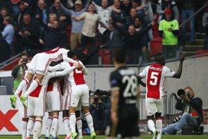 Hráči Ajaxu triumfovali doma o tri góly.