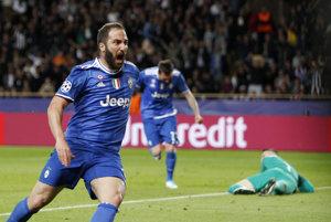 Gonzalo Higuaín strelil oba góly Juventusu.