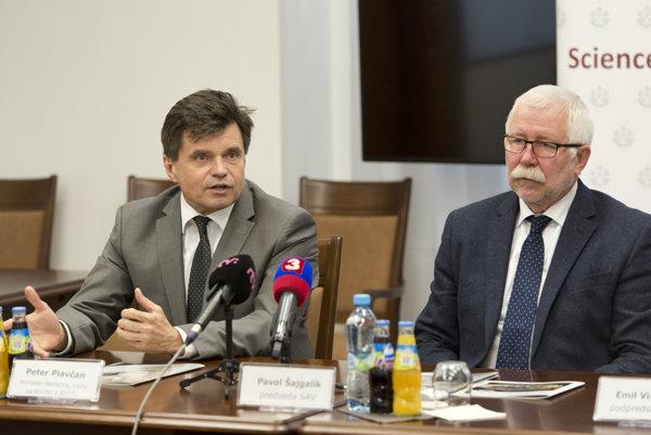 Z tlačovej konferencia Slovenskej akadémie vied 5. mája 2017 v budove SAV v Bratislave.