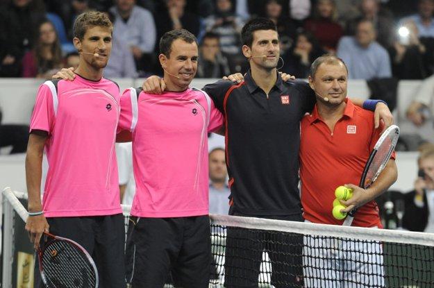 Martin Kližan, Dominik Hrbatý, Novak Djokovič a Marián Vajda počas tenisovej exhibície Tennis Classic 14. novembra 2012 v Bratislave.