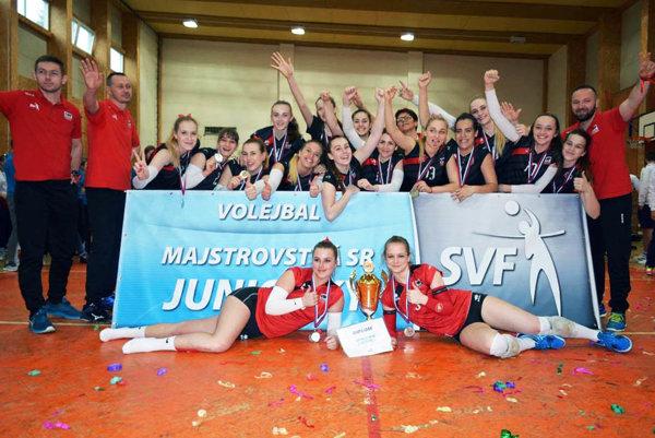 Dievčatá zo Športového gymnázia v Nitre získali strieborné medaily.