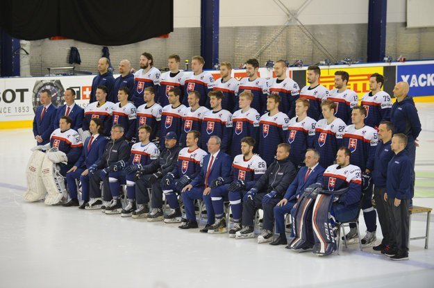 Na snímke slovenský tím počas oficálneho fotografovania na 81. majstrovstvách sveta v ľadovom hokeji.