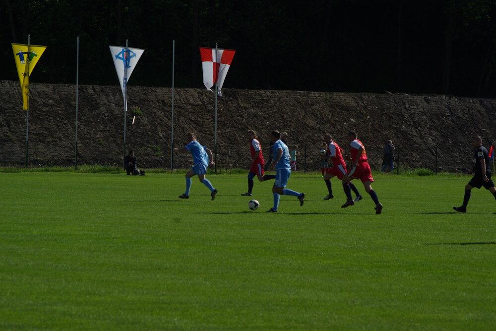 bffa4f9f89989 Zápas Old Boys MFK Zvolen - Slovan Bratislava. 6/9. Zväčšiť Všetky fotky