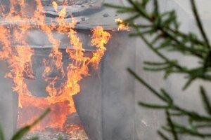 Nočný požiar v baníckej kolónii zničil podkrovné izby.