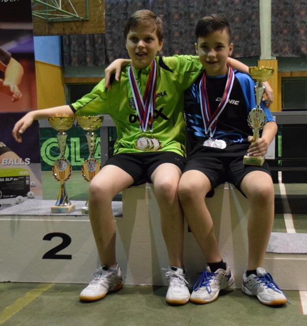 Jakub Goldír (vľavo) aFedor Kállay si po majstrovstvách Slovenska spoločne zapózovali.