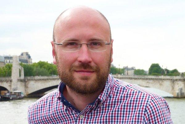 Politický geograf Tibor Madleňák pre SME hovorí, že ľudia dnes nevedia, koho si proti Kotlebovi v banskobystrickom regióne majú vybrať.