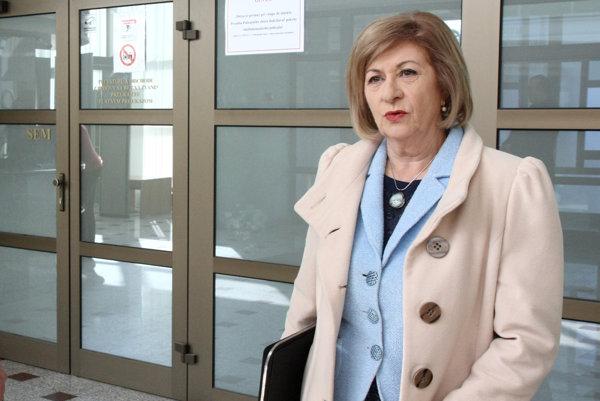Dlhoročná prokurátorka Eva Mišíková, ktorá je dnes advokátkou Daniela Lipšica hovorí, že postupu prokuratúry nerozumie.