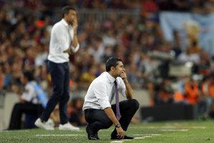 Ernesto Valverde v popredí, za ním ešte súčasný tréner barcelonského klubu Luis Enrique.