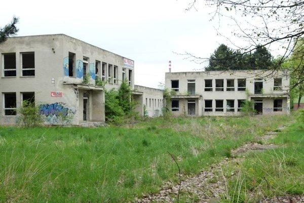 Bývala budova škôlky je vdezolátnom stave.
