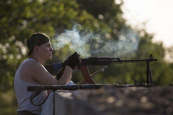 Militant neďaleko Sloviansku.