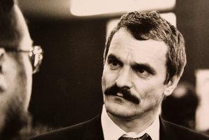 Gustáv Krajči. Jeden jeho list súdom stačil, aby sme platili pol miliardy korún.
