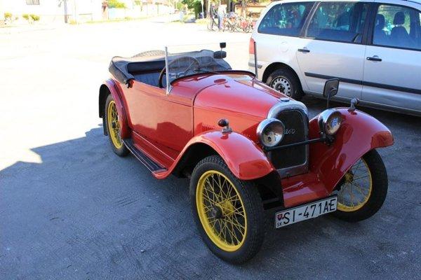 FOTO: Klub historických vozidiel Holíč