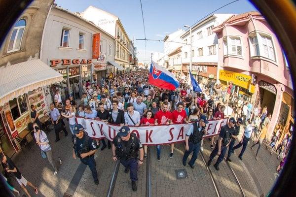 Pochod v Bratislave.