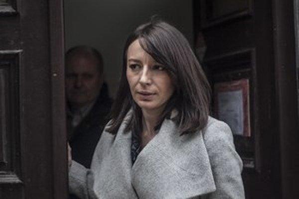 Žiadosť o odovzdanie trestného stíhania do Maďarska, kde teraz Malinová žije, podala ona sama so svojím obhajcom.