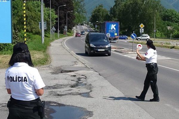 Počas jednej hodiny zastavili policajti 59 vodičov.