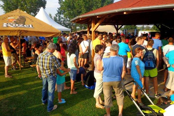 O letný turnaj na Dyčke je pravidelne veľký divácky záujem.