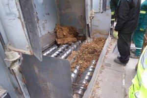 Zamestnanci Colného úradu (CÚ) Žilina likvidovali takmer 31 ton zaisteného tabaku a cigariet pochádzajúcich z nelegálnych zdrojov.