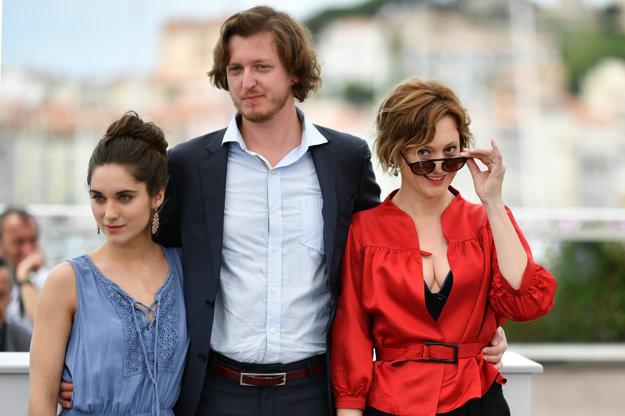 S Judit Bárdos a režisérom Gyorgyom Kristófom v Cannes.
