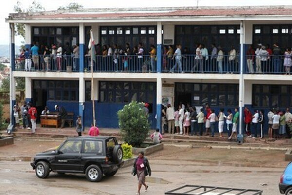 Volebná miestnosť v Antananarive.