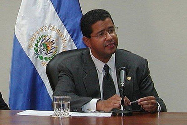 Francisco Flores.