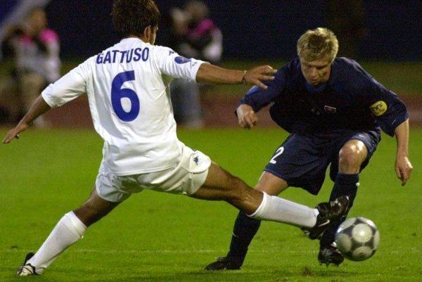 Vratislav Greško (vpravo) v súboji s Talianom Gattusom.