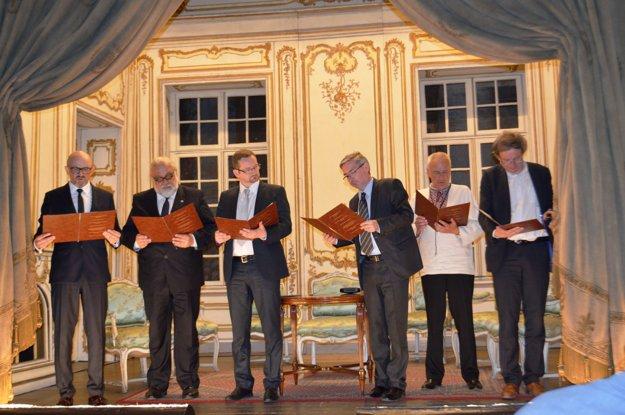 Pri podpise memoranda. Riaditelia sa stretli vpoľskom mestečku Łańcut.