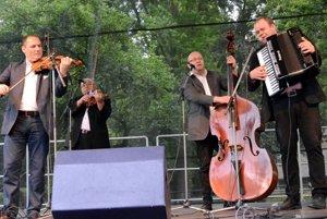 Brillant Orchester Milana Olšiaka a jeho sólistov.