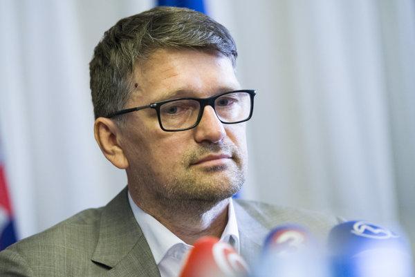 Minister Maďarič.