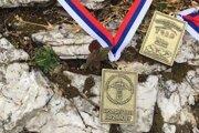 Pamätnú medailu si odniesol každý účastník behu, ktorý dobehol do cieľa.