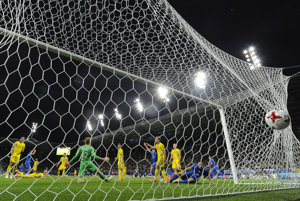 Švédi inkasovali až tri góly.