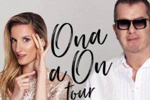 Ona a On tour.