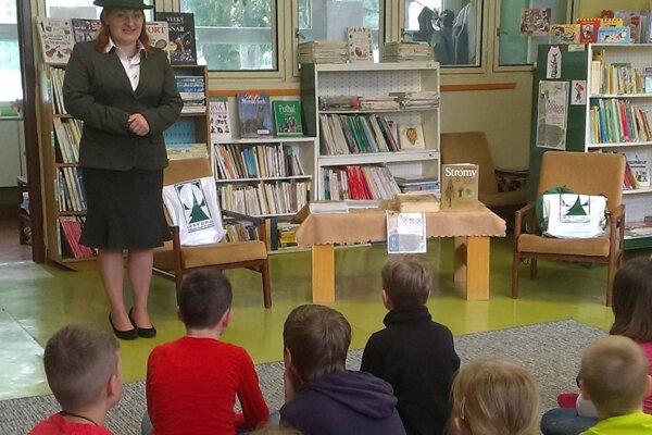 V knižnici organizovali podujatia s lesníckou tematikou.