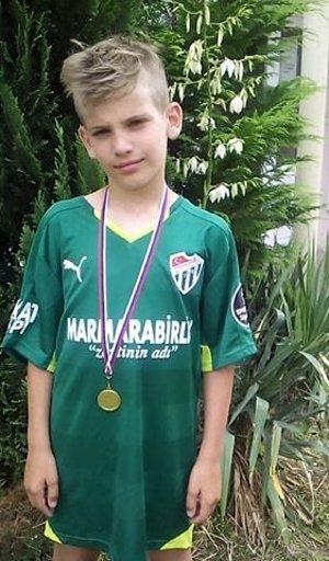 Dres Miroslava Stocha si odniesol Jakub Kováčik z Veľkého Zálužia, najužitočnejší hráč turnaja U11.