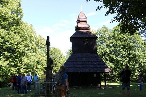 Drevený chrám. Uchováva vzácnu relikviu.