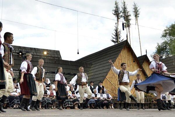 Podpolianskym folklórnym slávnostiam patrí amfiteáter v Detve.